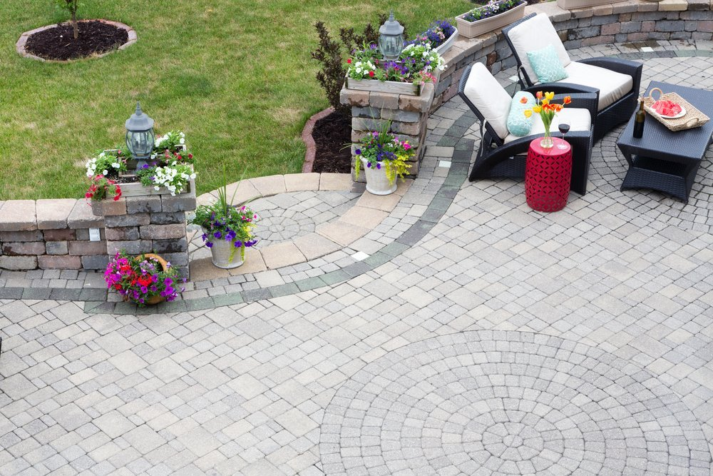 How to lay a patio 10
